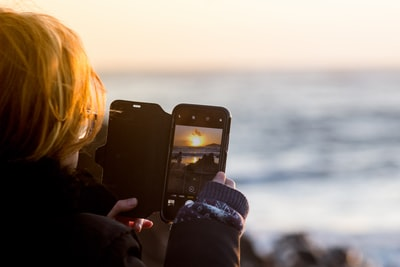 iPhoneXの防水性能はどこまで大丈夫?お風呂や海で使えるの?